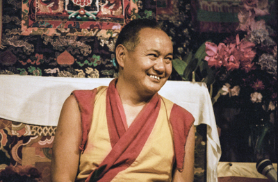 Lama Yeshe teaching at VPI, 1983. Photo: Carol Royce-Wilder.