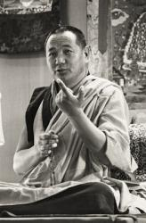 Lama Yeshe teaching in Yucca Valley, 1977. Photo by Carol Royce-Wilder.