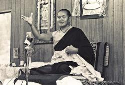 Lama Yeshe teaching at Lake Arrowhead, California, 1975. Photo by Carol Royce-Wilder.
