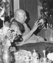 His Holiness Ling Rinpoche teaching at the First Enlightened Experience Celebration in 1982.