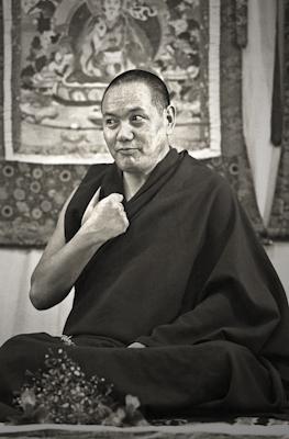 Lama Yeshe teaching at Royal Holloway College, UK, 1975. Photo: Dennis Heslop.