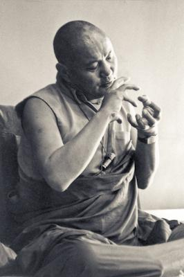 Lama Yeshe at the University of California, Santa Cruz, USA, 1978.  Photo: Jon Landaw.