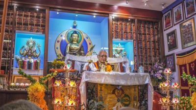 Lama Zopa Rinpoche teaching in Singapore, 2010. Photo: Ven. Thubten Kunsang.